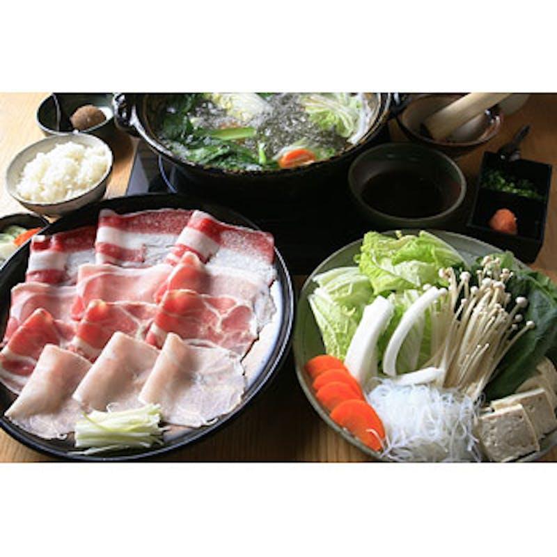 【贅沢ランチ】肉3種・野菜6品・デザート等5品+ウーロン茶(黒毛和牛/黒豚/合鴨【 個別盛り皿 】)
