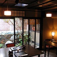 築140年以上経つ西陣の京町家。元は糸問屋として長く使われていた建物です