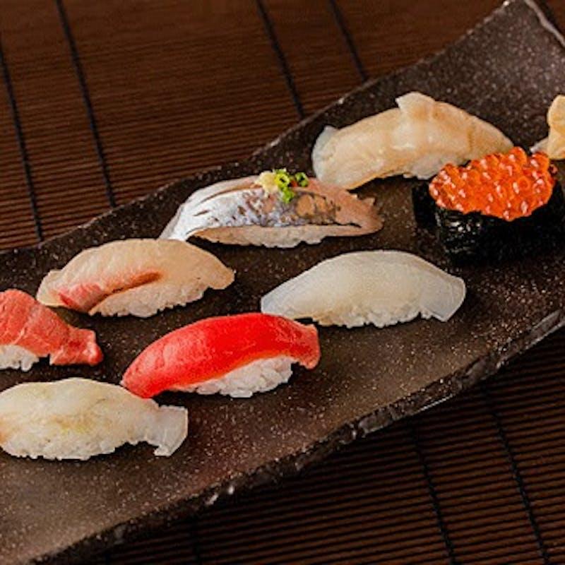 【コース 雅 MIYABI】刺身2種、黒毛和牛炙り焼き、握り8貫など