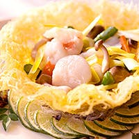 「医食同源」をテーマにした、中国各地の名菜が楽しめるレストラン