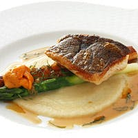 フランス料理の枠を越えた至福の味わいをお楽しみください
