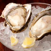 全国から産地直送、鮮度抜群の生牡蠣と牡蠣料理の数々