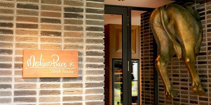 記念日におすすめのレストラン・WITH THE STYLE - ステーキハウス ミディアムレア -の写真1