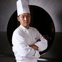 本場の味を追求し続ける、料理長 川角徳聖