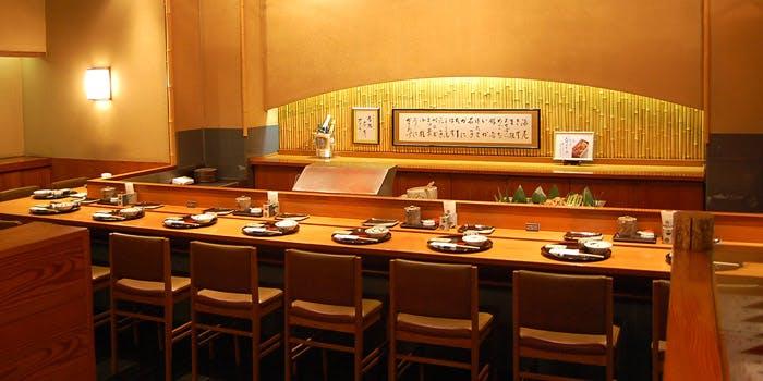 記念日におすすめのレストラン・銀座天一 赤坂店の写真1