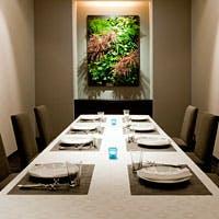 「料理」「自然」「語らい」3つの要素が調和する心地よい空間