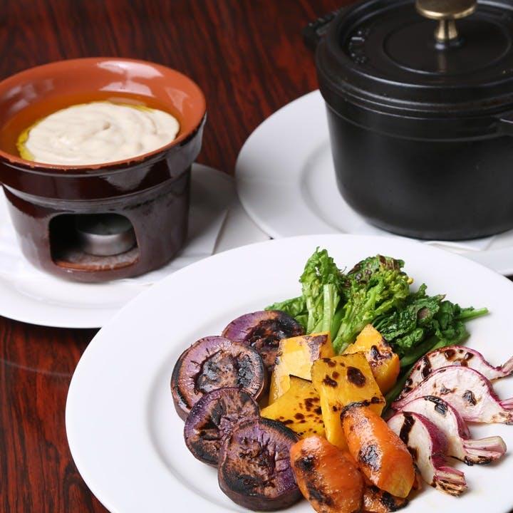 旬の食材と、名物「鎌倉野菜のバーニャカウダ」