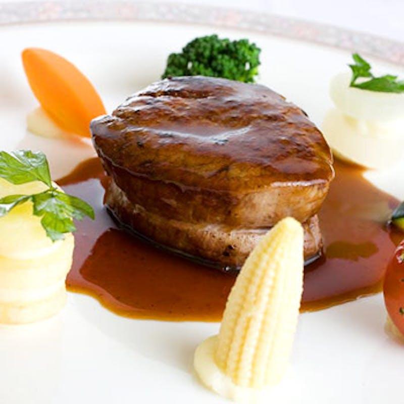 【特選国産牛フィレ肉を味わうハーフコース】+1ドリンク