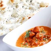 薫り高いスパイスを使った奥深いインド料理と、シェフの感性が融合した一皿
