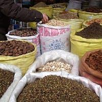現地で直接買い付けている香辛料を使った 芳しい香りの料理