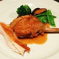 洗練された、シンプルかつ印象的なフランス料理