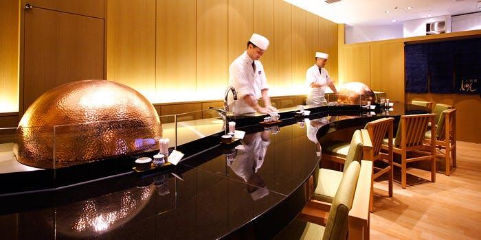 記念日におすすめのレストラン・天麩羅 しゅん/京王プラザホテルの写真1