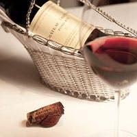 飲み頃にこだわった200種類のワインを20種類のワイングラスで