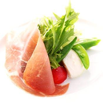 <NATURALE>選べる前菜やメインにドルチェ、食後のコーヒーなど全4品(平日限定)