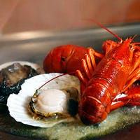 魚介類の鉄板焼きも充実。お肉が苦手なお客様でも十分ご堪能いただけます