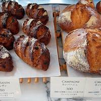パン職人 南部弘樹 が焼く天然酵母のパンは料理の脇役ながらにして絶品です