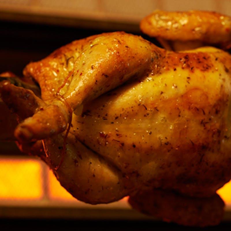 【チキン&ビーフシェアプラン】牛ステーキ、ロティサリーチキンなど全9品+3時間飲み放題