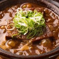 牛タンと特製味噌だれの相性が抜群の「牛タンの味噌煮」は当店人気の逸品です