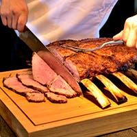ロースト&グリル料理がメインのブッフェ