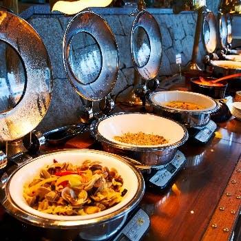 【ディナーブッフェ×飲み放題×特別料金】料理もお酒も両方楽しみたい方にオススメのディナープラン