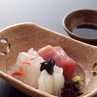 料理を引きたてる名脇役「日本酒」も色々取り揃えております