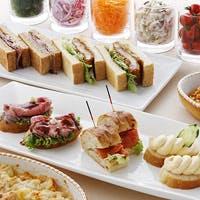 サンドウィッチやスイーツを愉しむランチビュッフェが人気