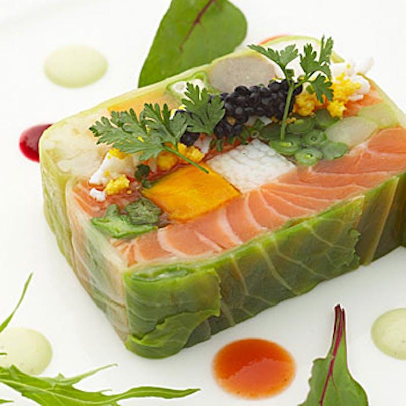 【デジュネA】オードブル、選べるスープとメイン料理、7種のワゴンデザートなど全4品