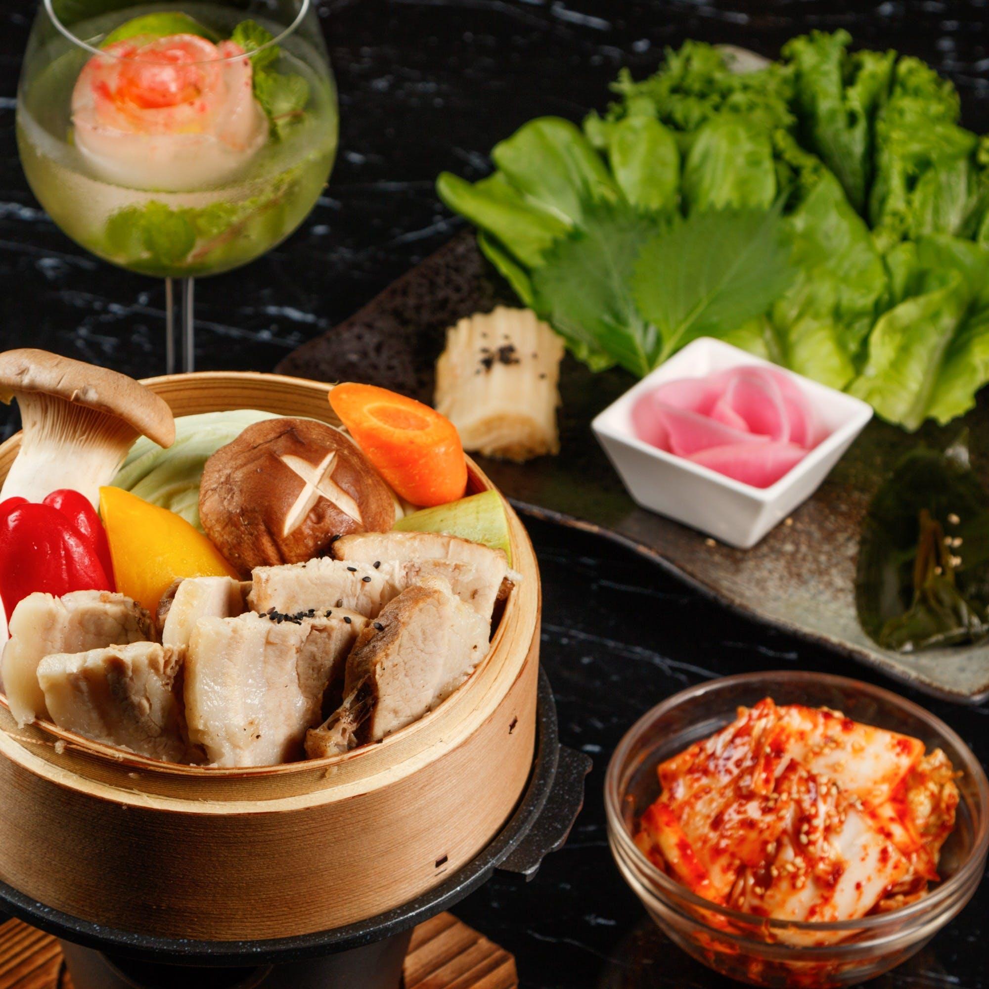 ソウルで40年の経歴を持つ料理人・洪性吉の日本初出店