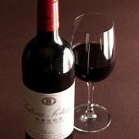 お料理を引き立てる、ソムリエが揃えた豊富なワインリスト
