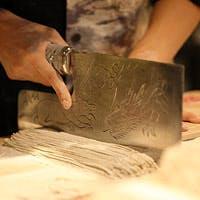 福井県から仕入れた新鮮な食材と、職人の技術が融合した至福の味