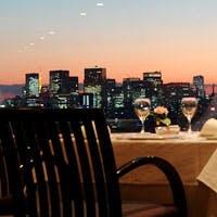 隅田川や浅草の街並み、東京丸の内、新宿新都心、お台場東京湾方面まで一望できます