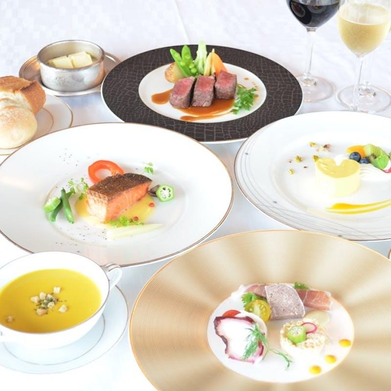 【フルコース アラスカ】本日の魚料理、AUS産牛フィレ肉のグリルなど全5品(窓際確約)