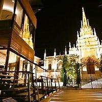 セントグレース大聖堂の夜景を眺めながら