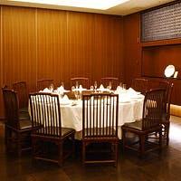 ゆったりとした「四合院様式」のインテリアの中で広東料理の真髄をご堪能ください