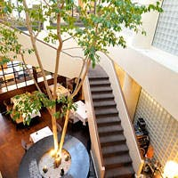 渋谷のど真ん中 ビルの最上階 日常の喧騒から解放される贅沢な空間