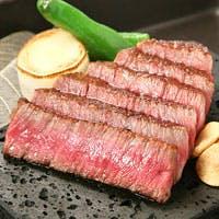 きよやす邸自慢の「厳選黒毛和牛の鉄板焼き」と、海鮮魚介を沢山ご用意いたします