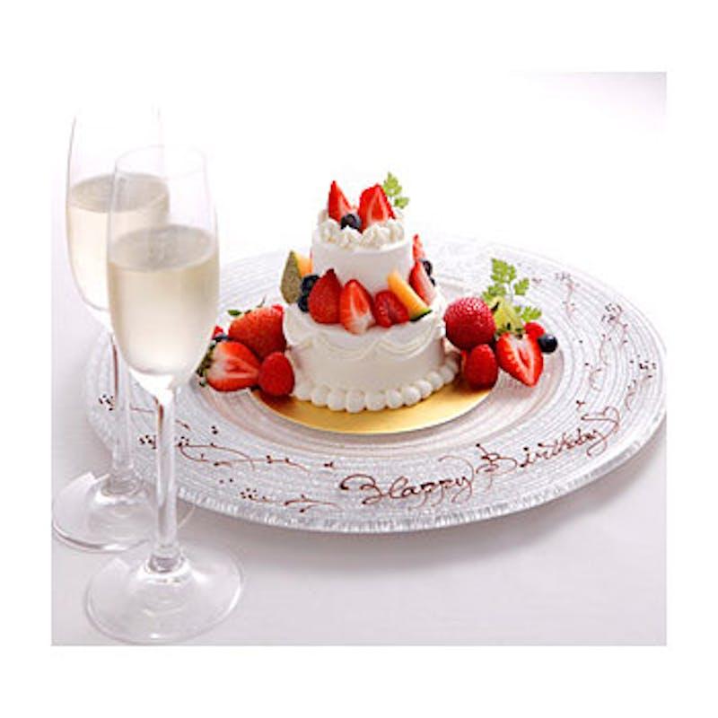 【2段ホールケーキ付き記念日プラン】+乾杯スパークリング+2段ホールケーキ