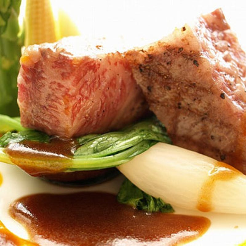 【黒毛和牛コース】特選黒毛和牛のお料理がメインの全6品+乾杯スパークリング