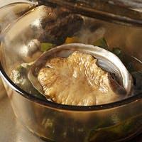 厳選した銘柄牛を旬の野菜とともに、素材本来の味を引き出す焼き手の技で