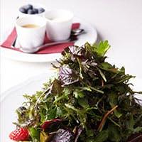 伝統的なトスカーナ料理と、薬草・ハーブが融合した 独創的なお料理の数々
