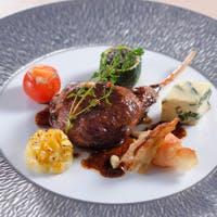 ストラスヴァリウスのお料理は本格的なフランス料理