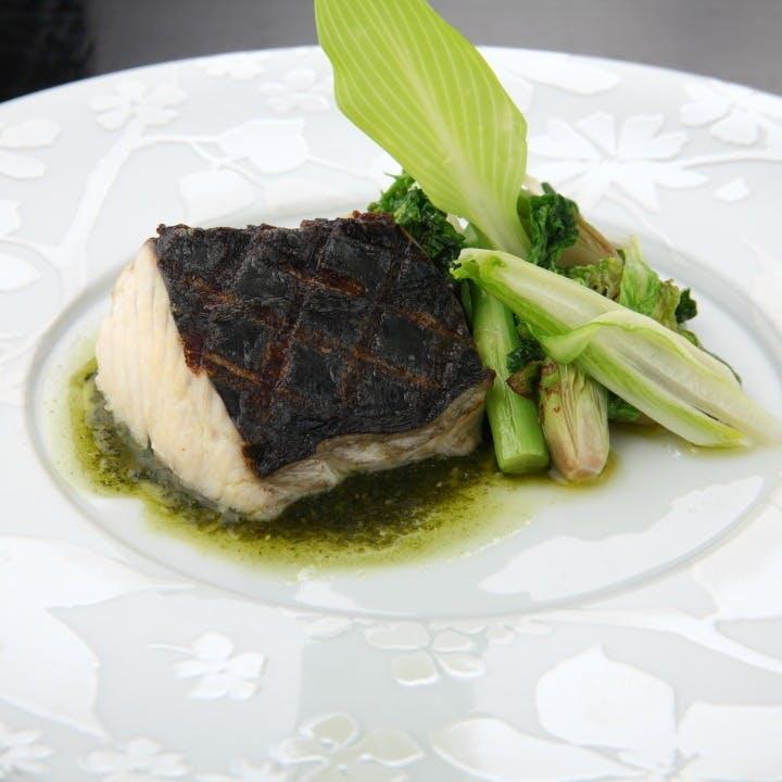 こだわりの季節の有機野菜や旬のお魚料理