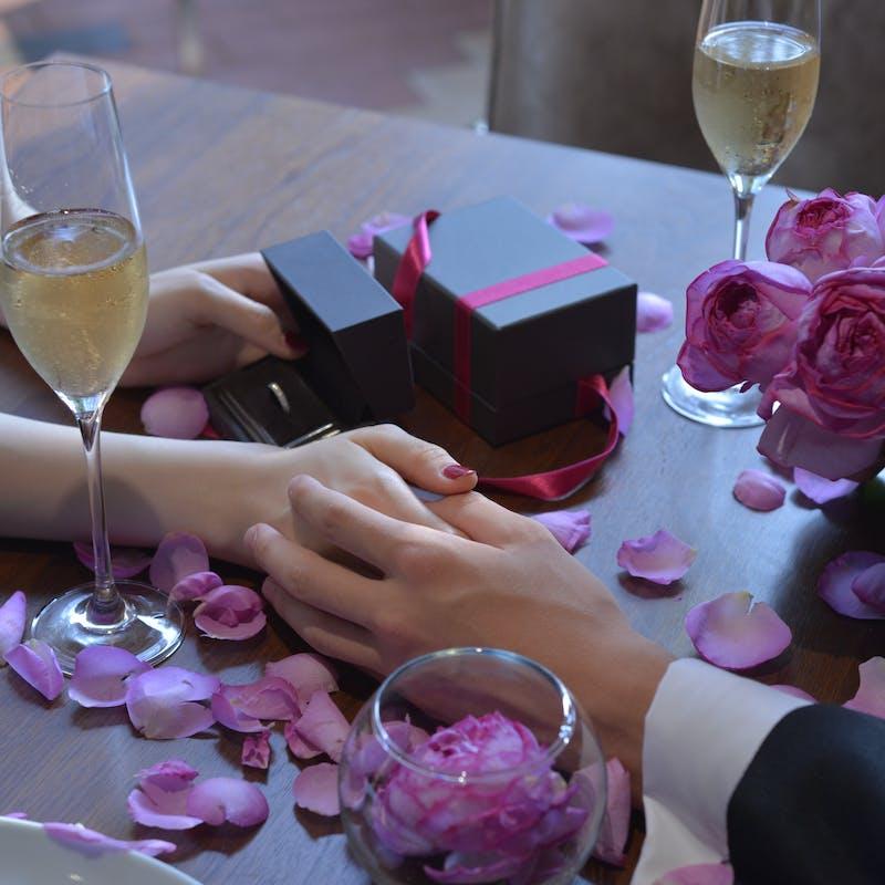 【ロイヤルプロポーズプラン】プロポーズ専用×真実の愛を意味する40本の赤バラのブーケ