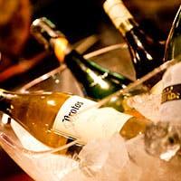美味しいワインと気軽なタパス、上質なメイン料理が同時に楽しめるレストランバル