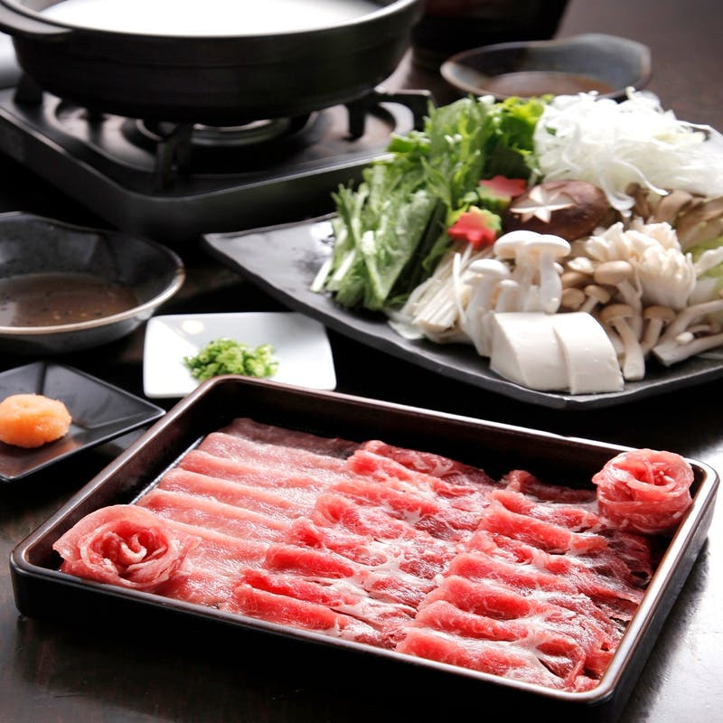 【温】鮮魚の刺身3種盛、六白黒豚三枚肉の豆乳酒粕胡麻味噌鍋含む全7品(個室確約)