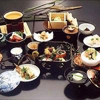 京懐石の伝統を守って味わいのもてなしに