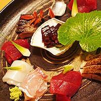 産地にこだわった新鮮な魚介類と野菜