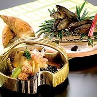 京料理の老舗伝承の味と技をご堪能いただけます