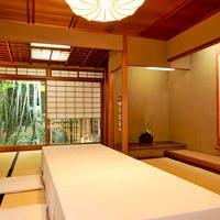 全国から厳選を重ねた旬の食材・新鮮素材を、味とりどりの天ぷら会席にてご提供