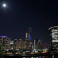 時間で表情を変える横浜の町並みを、大パノラマで楽しむ会場で過ごす忘れられない時間